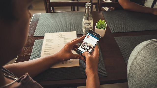 Instagramにハッシュタグを設定する方法と注意点