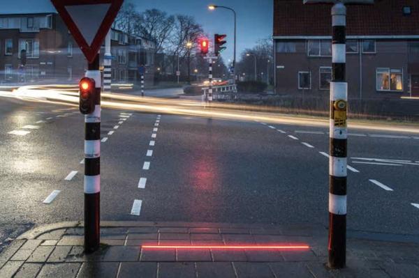 オランダの信号はスマホーユーザーに対して親切設計