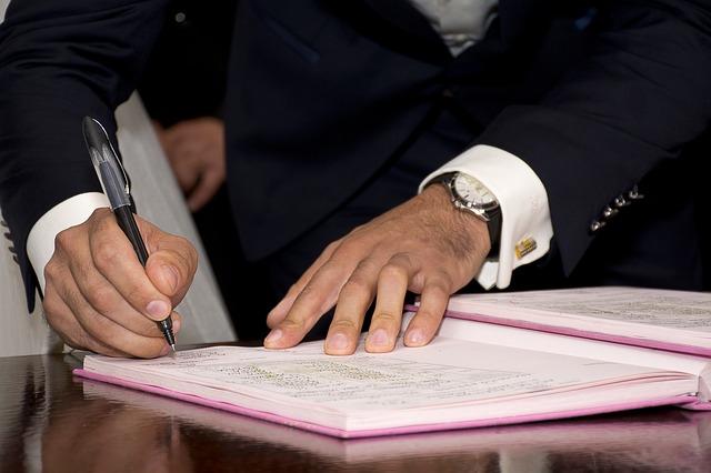 メルカリで離婚届けが売れているのは、誰に売るかが明確だから?